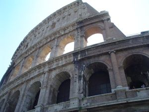 640px-Colosseum3_11-7-2003